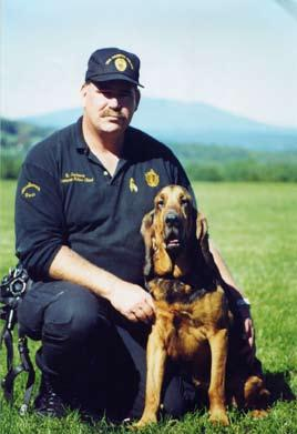 Her working-dog parents were the legendary Righteous Boone (Yavapai Sheriff s Department) and Sniffing Daisy (Department of the Interior at Grand Canyon National Park).