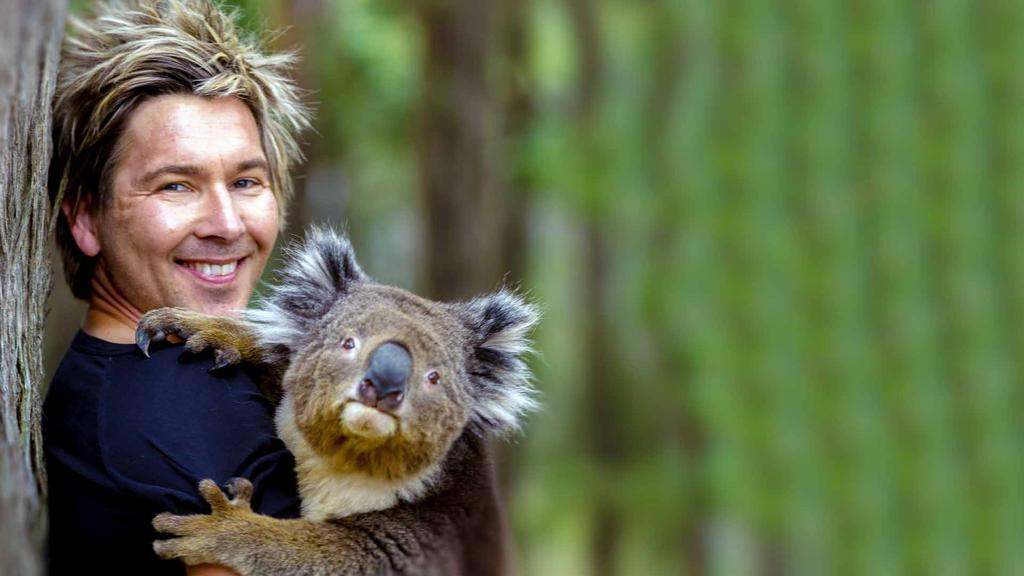 Zoologist Chris Humfrey has always had a fascination for all things wild! So much so, that he built his own private animal sanctuary, Wild Action Zoo, for Australian native animals.